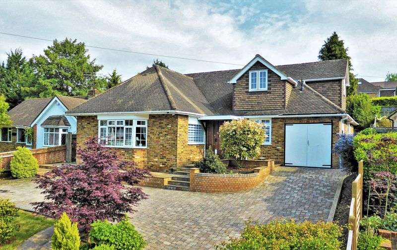 5 Bedrooms Property for sale in Deanway, Chalfont St. Giles