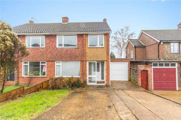 3 Bedrooms Semi Detached House for sale in Brunel Road, High Wycombe, Buckinghamshire