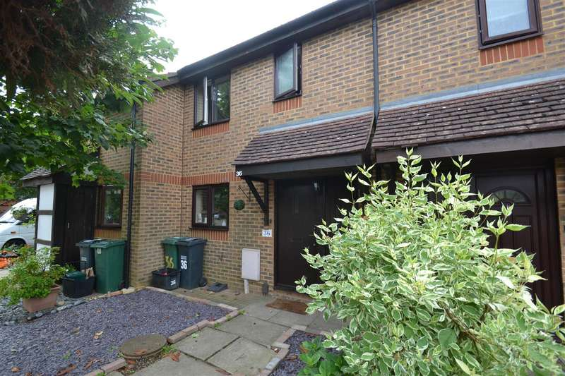 3 Bedrooms Terraced House for rent in Middlefield, Horley