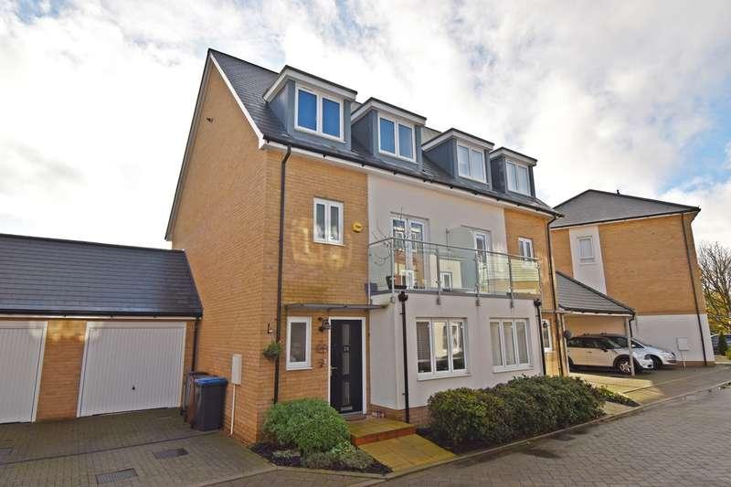 4 Bedrooms Semi Detached House for sale in Appletree Way, Welwyn Garden City, AL7