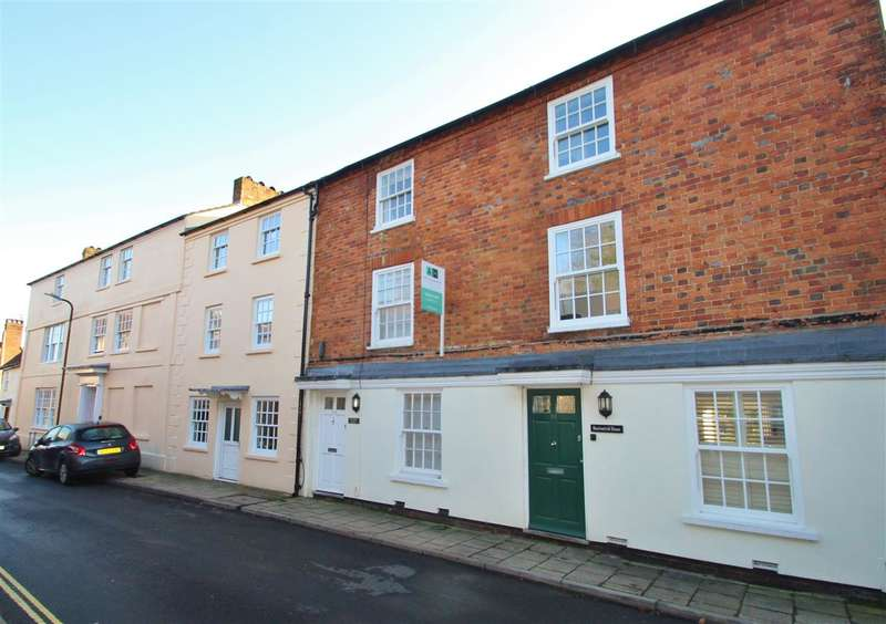 3 Bedrooms Property for sale in Denning House, 51a Well Street, Buckingham
