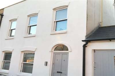 2 Bedrooms Flat for rent in Anne Gibson Court, Ramsgate