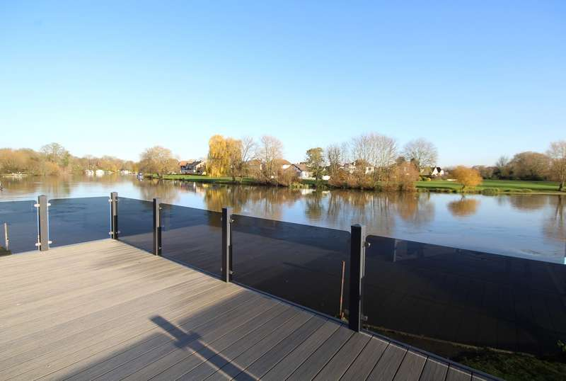 2 Bedrooms Park Home Mobile Home for sale in 141 Chertsey Lane , Staines-upon-Thames, TW18