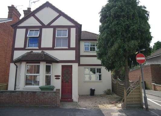 1 Bedroom Property for rent in Moorlands Road, Camberley, Surrey, GU15