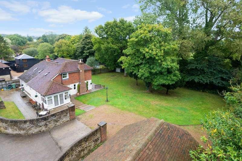 4 Bedrooms Detached House for sale in Goddington Lane, Harrietsham, ME17