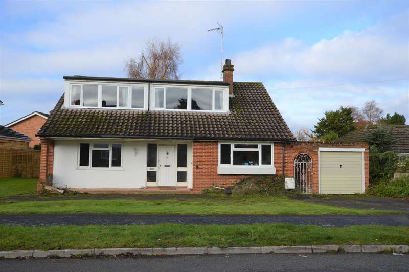 4 Bedrooms Detached Bungalow for sale in Bow Grove, Sherfield On Loddon