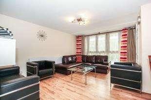 1 Bedroom Flat for sale in Hallane House, Woodvale Walk, London