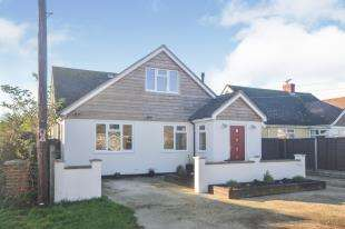 5 Bedrooms Detached House for sale in Meehan Road South, Greatstone, New Romney, Kent