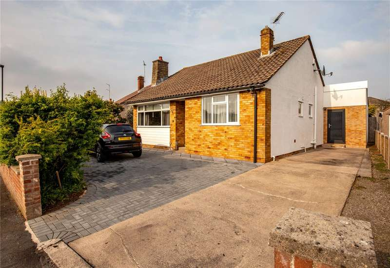 4 Bedrooms Bungalow for sale in Boscombe Crescent, Downend, Bristol BS16