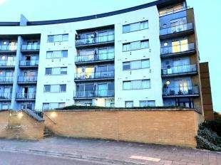 2 Bedrooms Flat for sale in Tideslea Path, Thamesmead, Near Woolwich, London