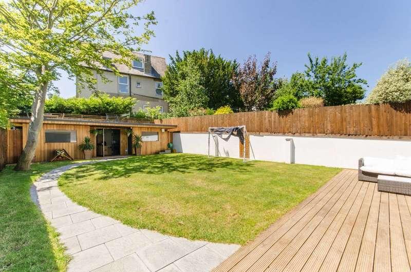 6 Bedrooms Semi Detached House for sale in York Road, New Barnet, EN5