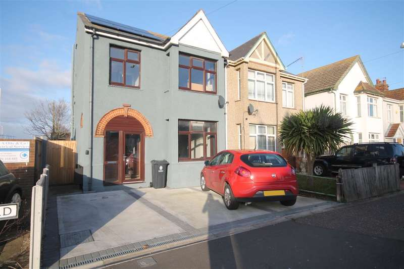 3 Bedrooms Semi Detached House for sale in Skelmersdale Road, East Clacton