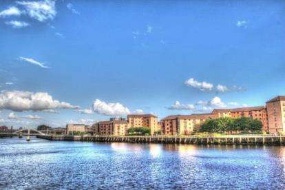 2 Bedrooms Flat for sale in Riverview Drive, Glasgow