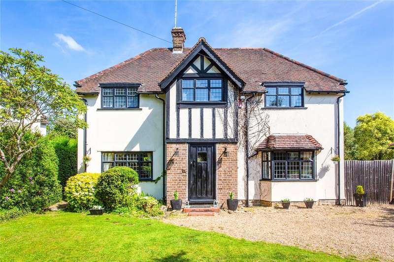 4 Bedrooms Detached House for sale in Oak Tree Close, Stanmore, HA7