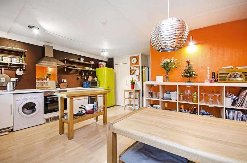 3 Bedrooms Maisonette Flat for sale in Marlborough Avenue, E8, London Fields, E8