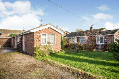 3 Bedrooms Bungalow for sale in Stalham, Norwich, Norfolk