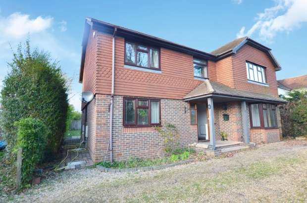 Detached House for sale in Rowlands Avenue, Waterlooville, Hampshire, PO7 7RU
