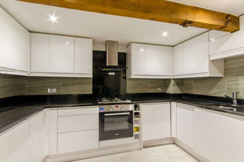 3 Bedrooms Flat for sale in Princess Park Manor, Friern Barnet, N11