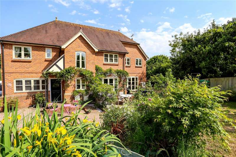 5 Bedrooms Detached House for sale in Oakhanger, Hampshire, GU35