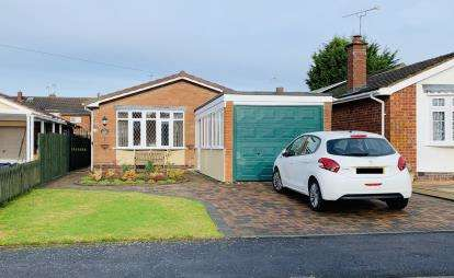 2 Bedrooms Bungalow for sale in Woodcote Avenue, ., Kenilworth, Warwickshire