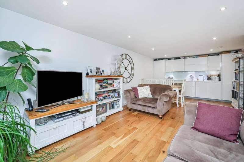 2 Bedrooms Flat for sale in Bramah Road, London SW9