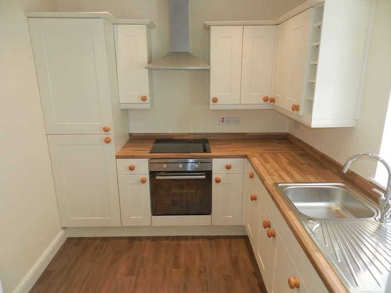 2 Bedrooms Terraced House for sale in North Street, Fleetwood