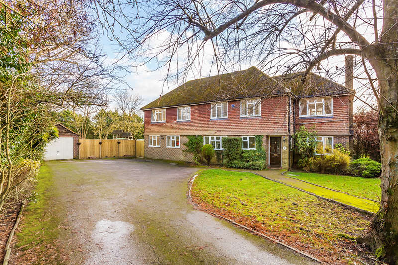 4 Bedrooms Detached House for sale in Tilburstow Hill Road
