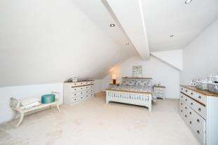 5 Bedrooms Detached House for sale in Hill Brow, Hove, East Sussex