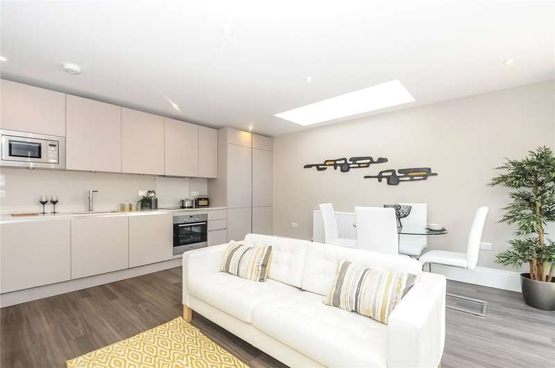 2 Bedrooms Flat for sale in Outram Road, Croydon, CR0