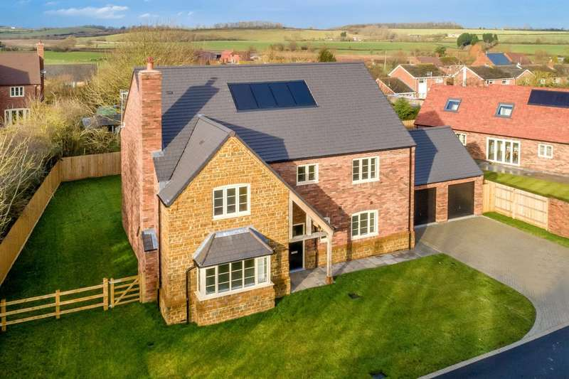 4 Bedrooms Detached House for sale in The Alscot, Leys Field, Oxhill