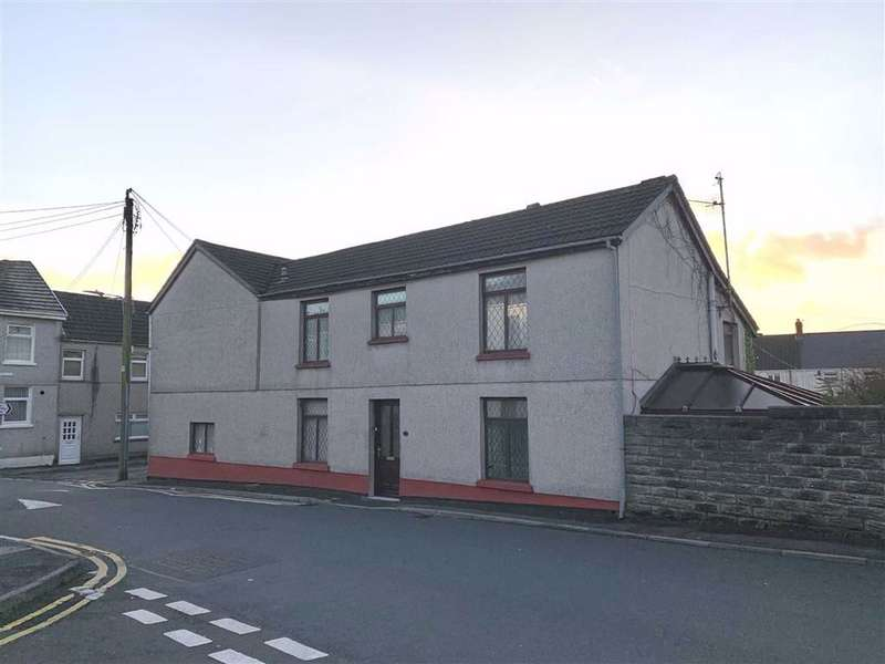 4 Bedrooms Semi Detached House for sale in Elkington Road, Burry Port