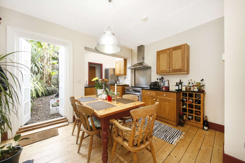2 Bedrooms House for sale in Regent Road, Herne Hill