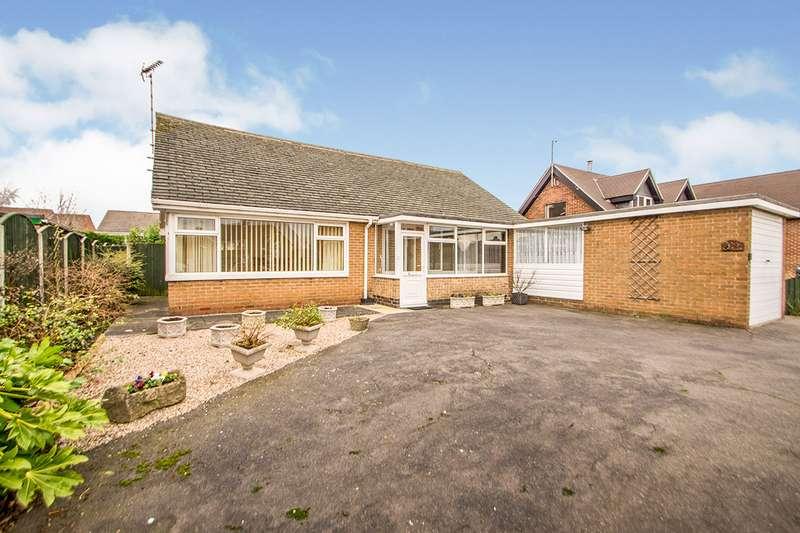 2 Bedrooms Detached Bungalow for sale in Hallington Drive, Heanor, Derbyshire, DE75