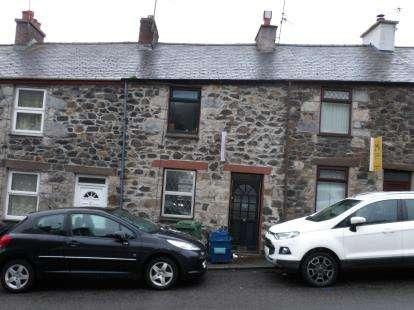 2 Bedrooms Terraced House for sale in Penchwintan Terrace, Bangor, Gwynedd, LL57