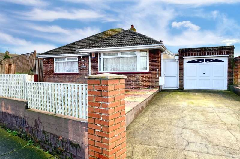 2 Bedrooms Detached Bungalow for sale in Windermere Avenue, Ramsgate, CT11