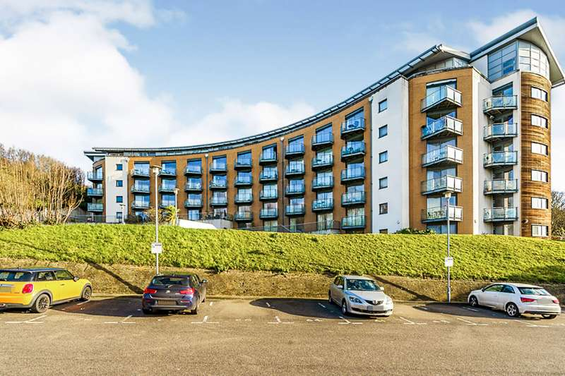 2 Bedrooms Apartment Flat for sale in The Eye, Barrier Road, Chatham, Kent, ME4