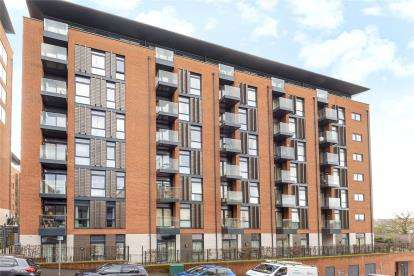 2 Bedrooms Flat for sale in William House, Ringers Road, Bromley