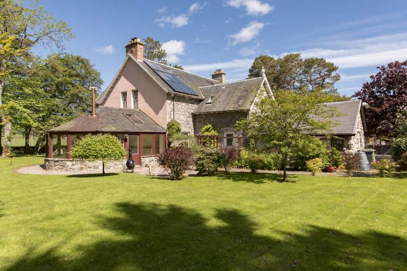 5 Bedrooms Detached House for sale in Croachy By Farr, Strathnairn, Inverness, Highland, IV2 6UE