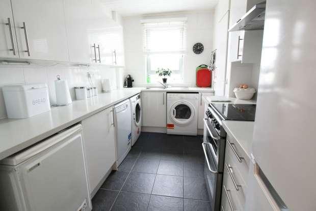 Flat for sale in Oak Place, Coatbridge, Lanarkshire, ML5 4QT