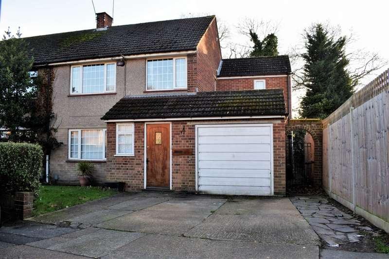 4 Bedrooms Semi Detached House for sale in Spurrell Avenue, Joydens Wood, DA5