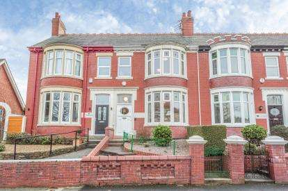 3 Bedrooms Terraced House for sale in Cumberland Avenue, Blackpool, Lancashire, FY1