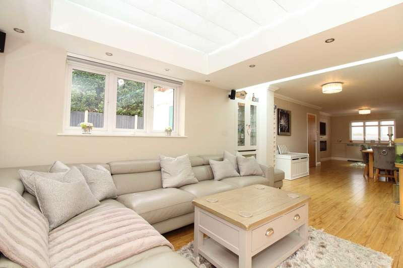4 Bedrooms Link Detached House for sale in Wash Road, Noak Bridge