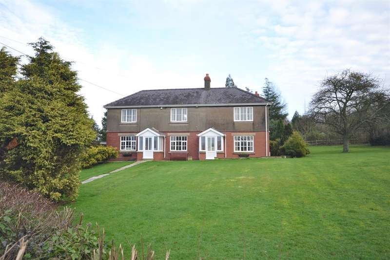 5 Bedrooms Detached House for sale in Ashmead Green, Dursley, GL11 5HJ