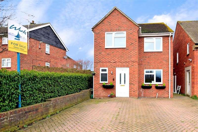 4 Bedrooms Detached House for sale in Hughes Drive, , Wainscott, Rochester, Kent