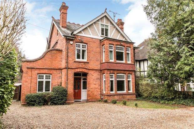 5 Bedrooms Detached House for sale in Woodcote Road, Caversham, Reading