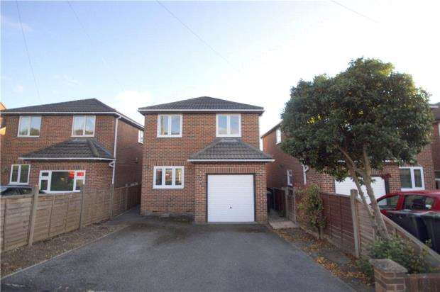 3 Bedrooms Detached House for sale in Charminster Close, Waterlooville, Hampshire