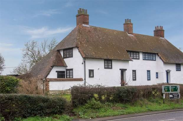 3 Bedrooms Semi Detached House for sale in Scotsgrove, Thame, Buckinghamshire