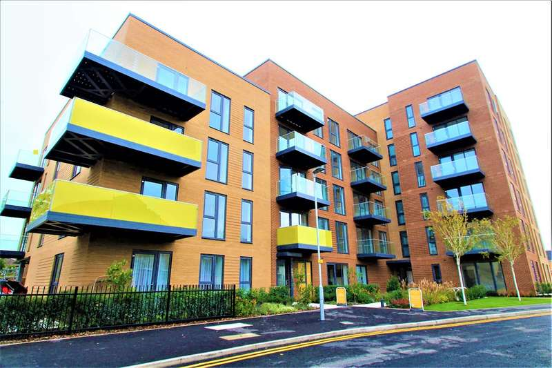 2 Bedrooms Apartment Flat for sale in Fairwood Place, Station Road, Borehamwood