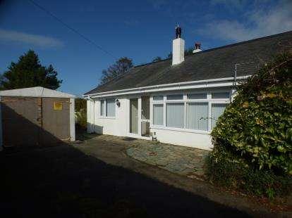 2 Bedrooms Bungalow for sale in Lon Y Castell, Nefyn, Pwllheli, Gwynedd, LL53
