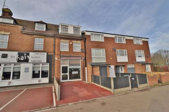 2 Bedrooms Apartment Flat for sale in Hitchin Road, Henlow Camp